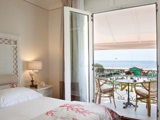 Hote Il Negresco coral dbl room seaview 2