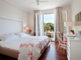 Hotel il Negresco Coral dbl room negresco.lu.11-011