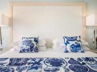 hotel il negresco_superior blu china_headboard