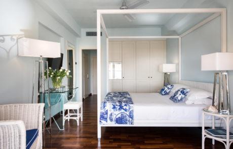 hotel il negresco_superior blu china_poster bed